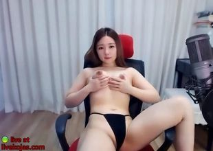 Korean adorable camgirl displaying her..
