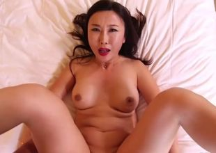 chinese wifey cuckold hubby in motel..