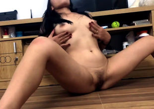 Japanese Cougar Sammi thumbs moist..