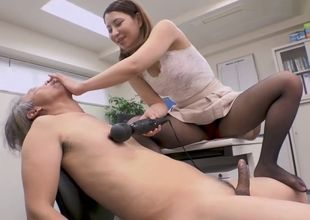 chinese office female jacking her..